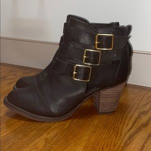 Mossimo black bootie size 8 worn once